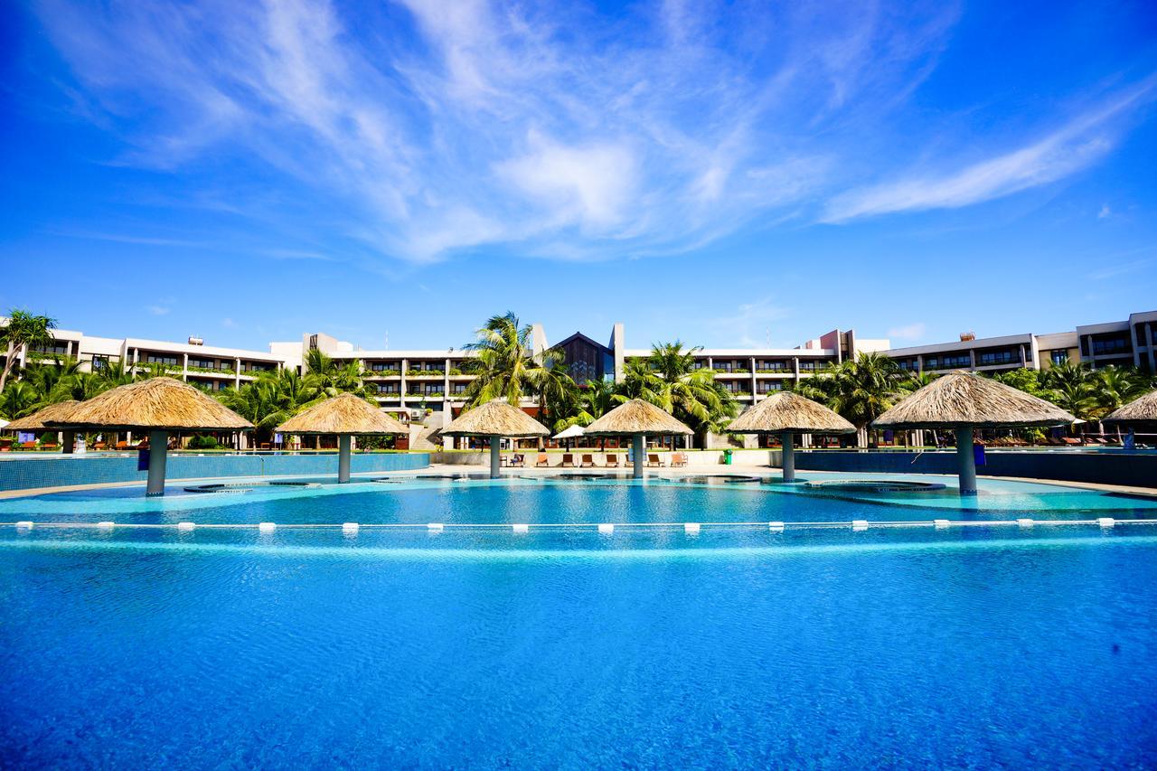 Hồ bơi dự án Hồ Tràm Complex